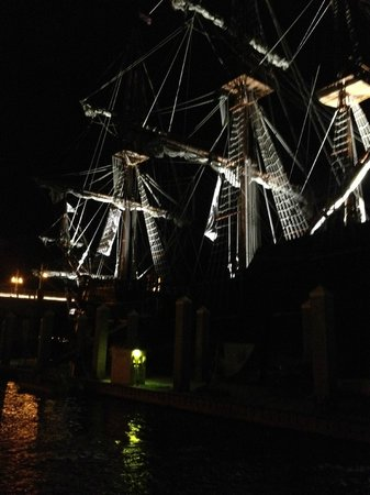 Jax Water Tours : Ancient ship in Port that has been around the world!