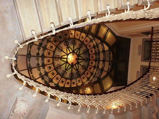 Hotel Bristol Palace : Scalone ellittico con lucernario in Stile Liberty