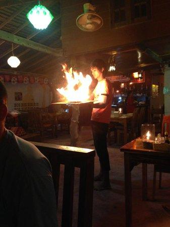Roi Thai: Zubereitung Hot Pan