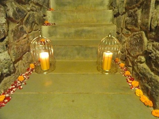 The Tamarind Hotel: Stairs which lead to the room were decorated on our request for anniversary