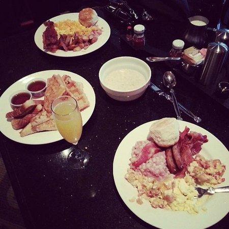 Hard Rock Hotel at Universal Orlando: Buffet food