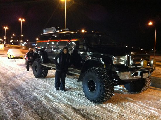 Superjeep.is: Our awesome ride hunting the elusive Aurora Borealis
