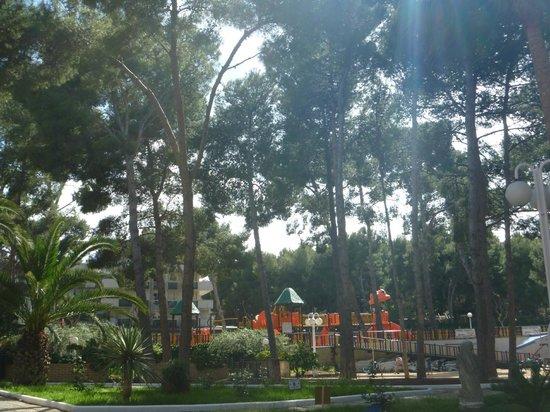 Jaime I Hotel : детская площадка на территории отеля Jaime 1