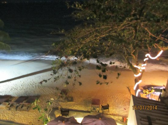 The Lodge: Night view of beach from my room