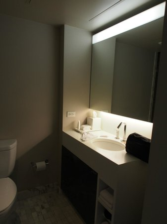 Andaz West Hollywood: Bathroom