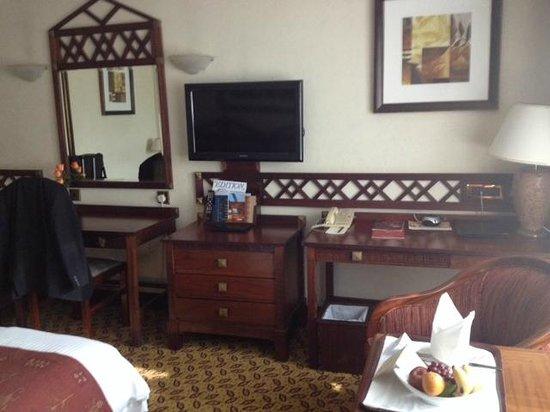 Nairobi Serena Hotel: Room