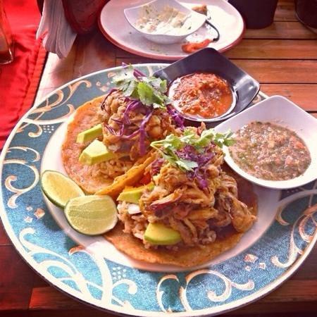 Taco Beach Grill: babi galung soft taco