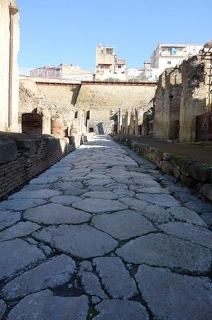 Ercolano, Italien: A typical street