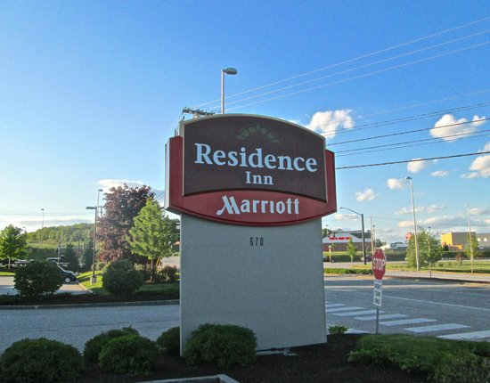 Residence Inn by Marriott Auburn: Residence Inn sign