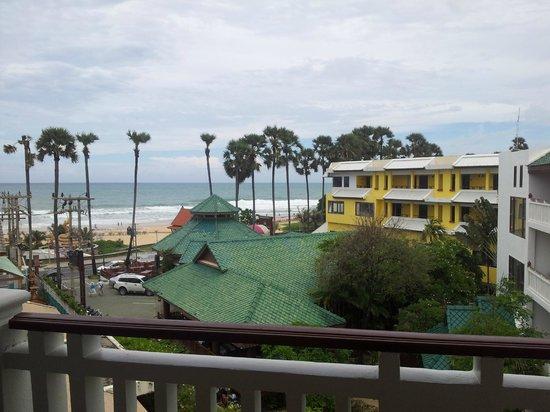 Karon Princess Hotel: вид из окна