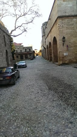 Spirit of the Knights Boutique Hotel : One of the many cobbled streets in Old Town