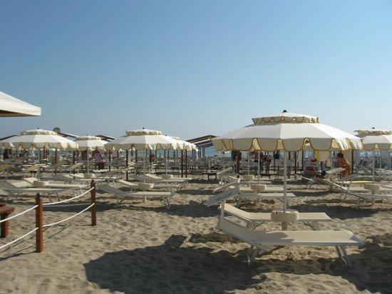 Hotel Stella: Spiaggia Lungomare Riccione