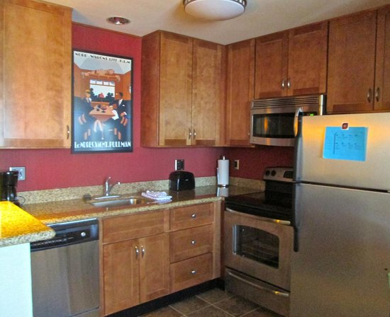 Residence Inn Auburn : Kitchen in 1 bed suite