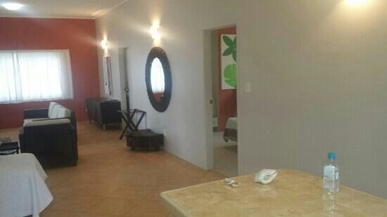 Moana Sands Beachfront Hotel : view from the kitchen taikura apartment
