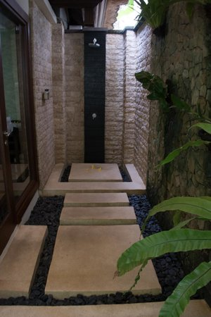 Villa di Abing: Ensuite Shower