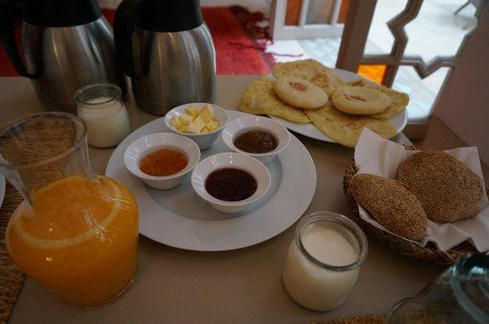 Hotel & Spa Dar Baraka & Karam : 朝食