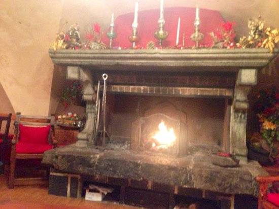 La Vieille Auberge Hotel : La cheminee