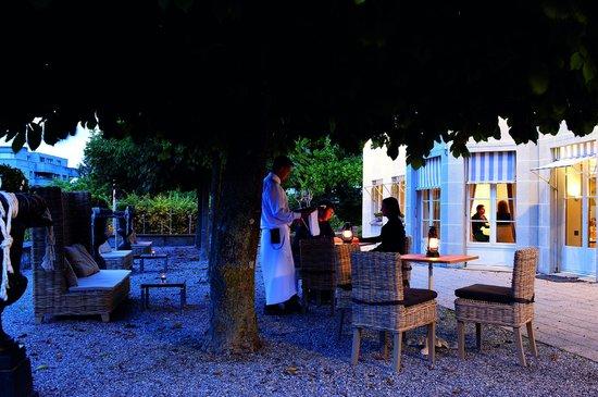 Schlosshotel Romanshorn: Am Abend auf die Terrasse
