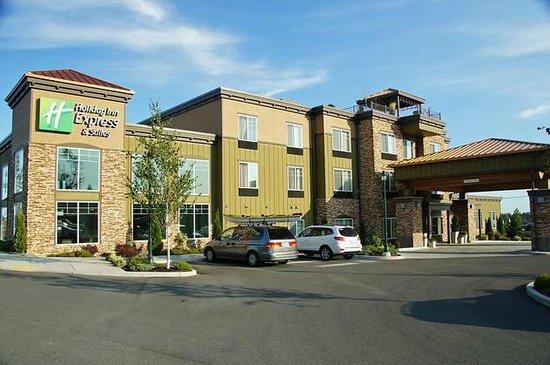 Holiday Inn Express Hotel & Suites North Sequim : Außenansicht