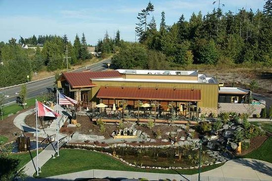 Holiday Inn Express Hotel & Suites North Sequim : Blick auf Black Bear Diner