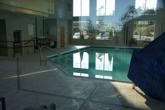 Holiday Inn Express Hotel & Suites North Sequim : Indoor-Pool