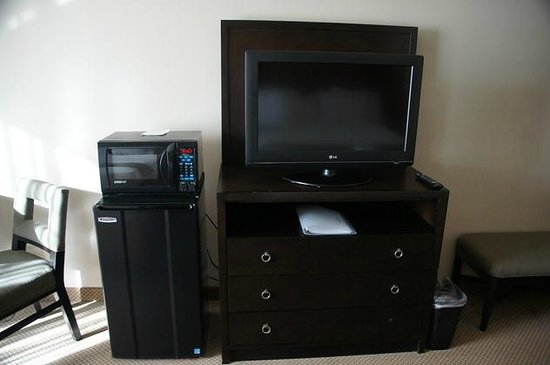 Holiday Inn Express Hotel & Suites North Sequim : Flat-TV, Mikrowelle, Kühlschrank