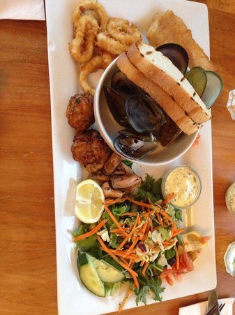 The Pier Hotel Restaurant: Seafood platter