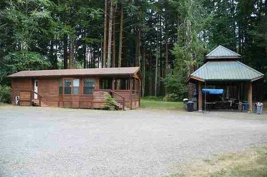 Huckleberry Lodge Cabins: weitere Cabin auf dem Gelände