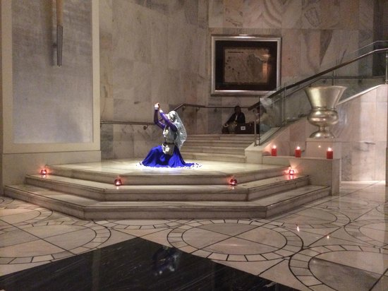 ITC Mughal, Agra: Evening Dance in the Hotel Lobby
