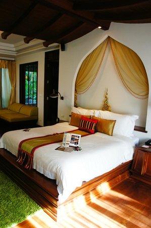 Royal Muang Samui Villas : room