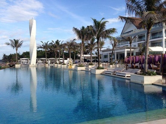 Lv8 Resort Hotel: Awesome pool