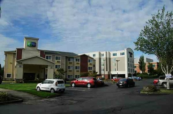 Holiday Inn Express Portland (Airport Area): Außenansicht