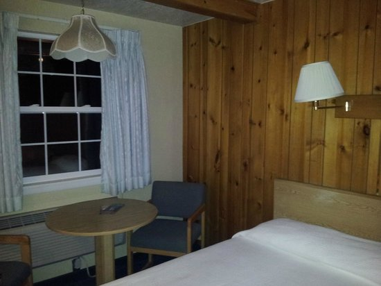 Bryce Canyon Pines : room