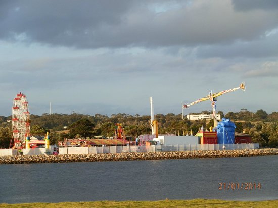 BIG4 Whiters Holiday Village : Carnival on the lake