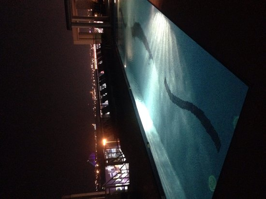 Holiday Inn Dubai - Al Barsha: Swimming Pool