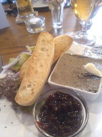 The Vine Inn: ample pate starter