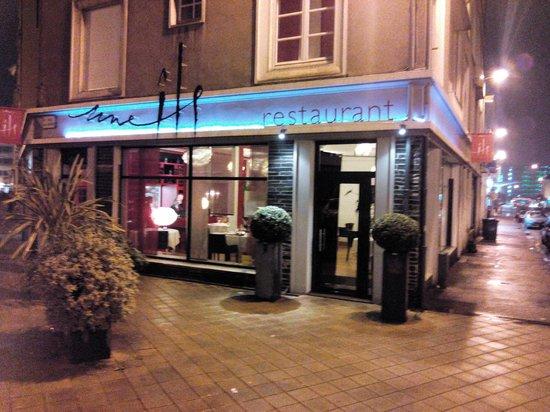 Une Ile: La facade du restaurant