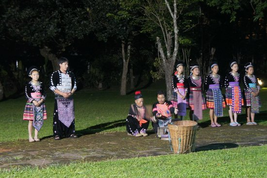 Hmong Hilltribe Lodge : evening cultural show