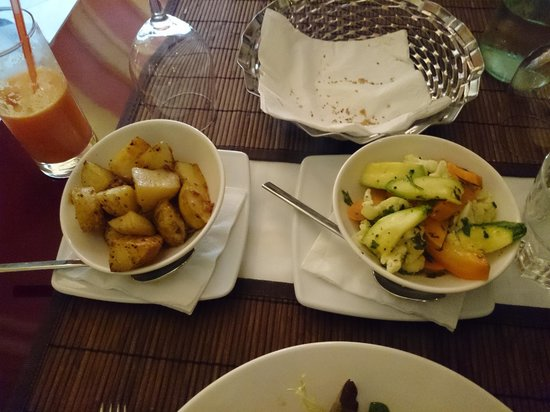 Michael's at the Civil Service Sports Club: side dishes