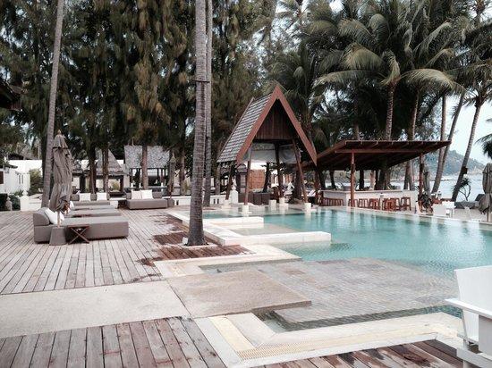 SALA Samui Choengmon Beach Resort : White pool