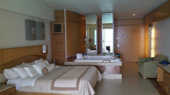 Beach Palace: Concierge room 910