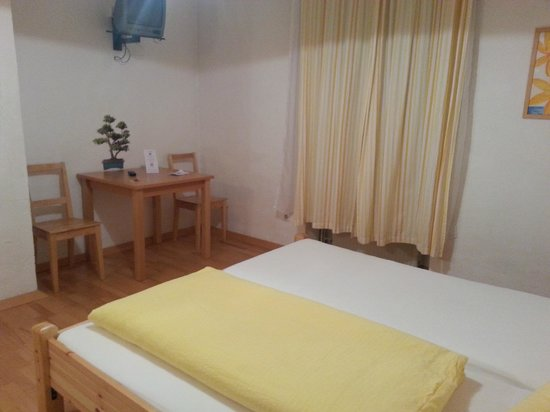 Pension Stoi: private room with separate bathroom