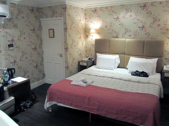 The Fielding Hotel: Large, comfortable bed