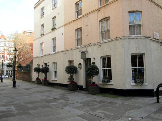 The Fielding Hotel: The unimposing exterior of the hotel