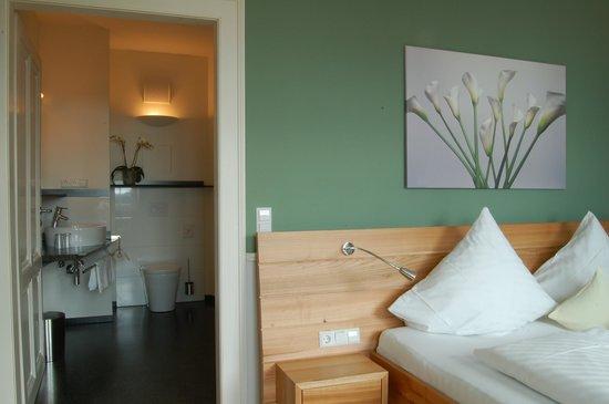 """Hotel """"Der Löwen"""": See-Suite"""