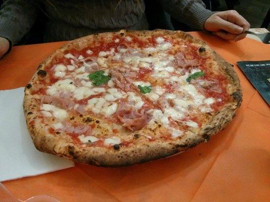 Pizzeria del Popolo: Margherita con cotto