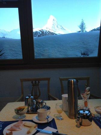 Hotel Hemizeus: Vue de la table du petit déjeuner