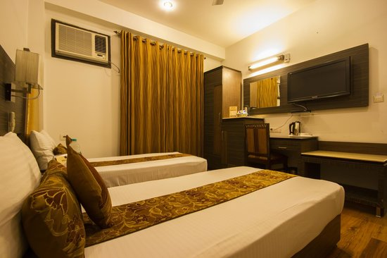 FabHotel Sunstar Karol Bagh: Twin Room