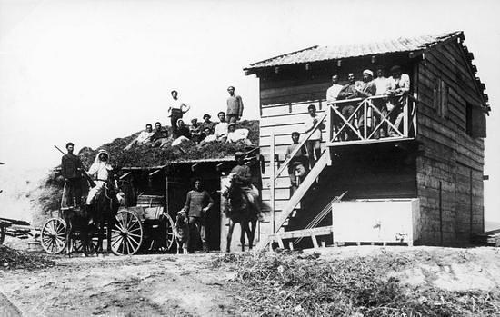 Kibbutz Degania Alef : The first house Um Juni, 1910