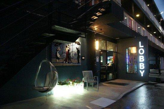 Hotel Ruby: Zugang zur kleinen Rezeption